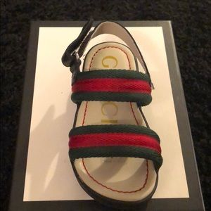 Gucci sandals, worn twice, great condition, size23